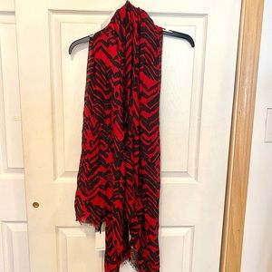Minnelli super soft black and red scarf